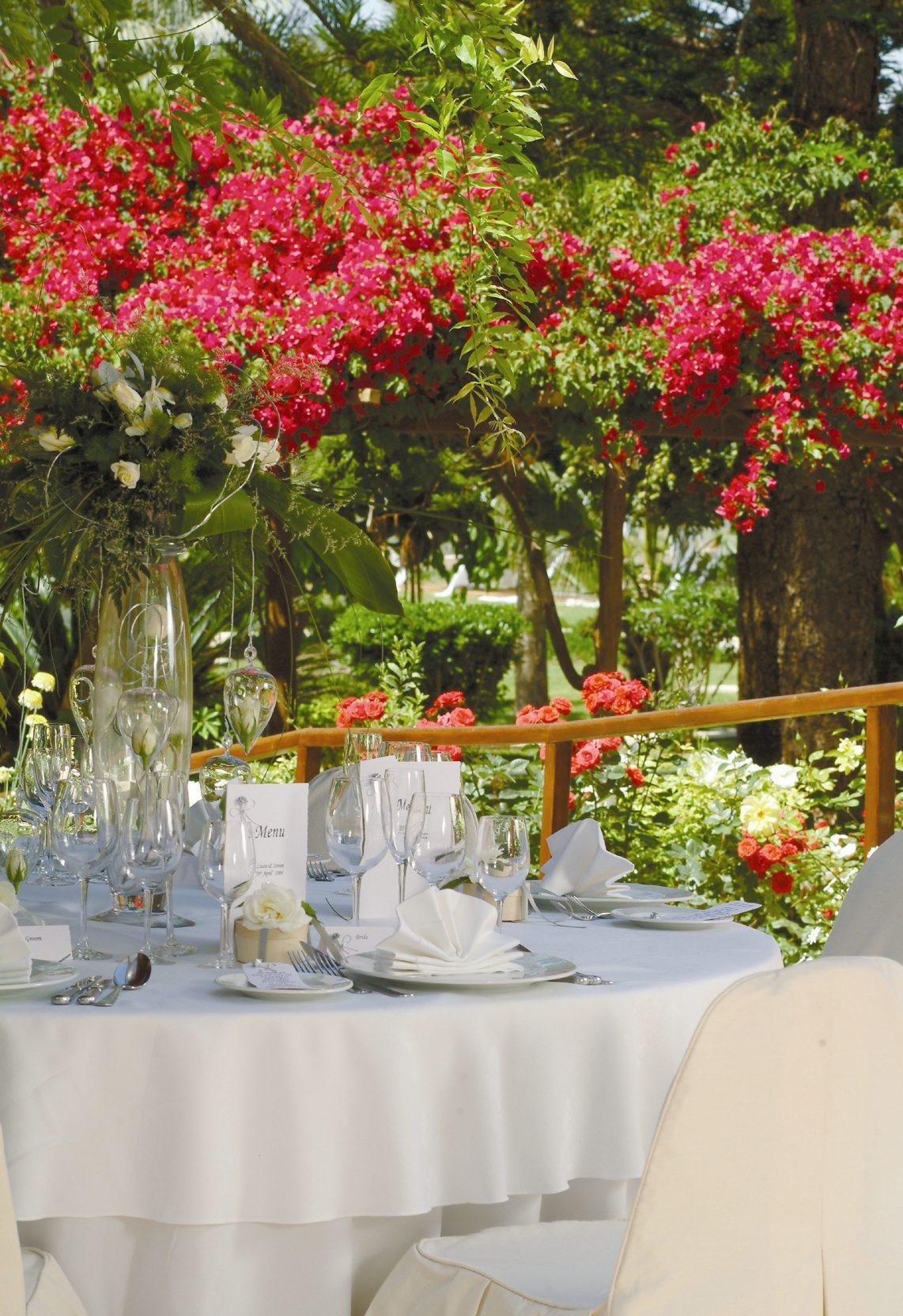 Nissi Gardens1